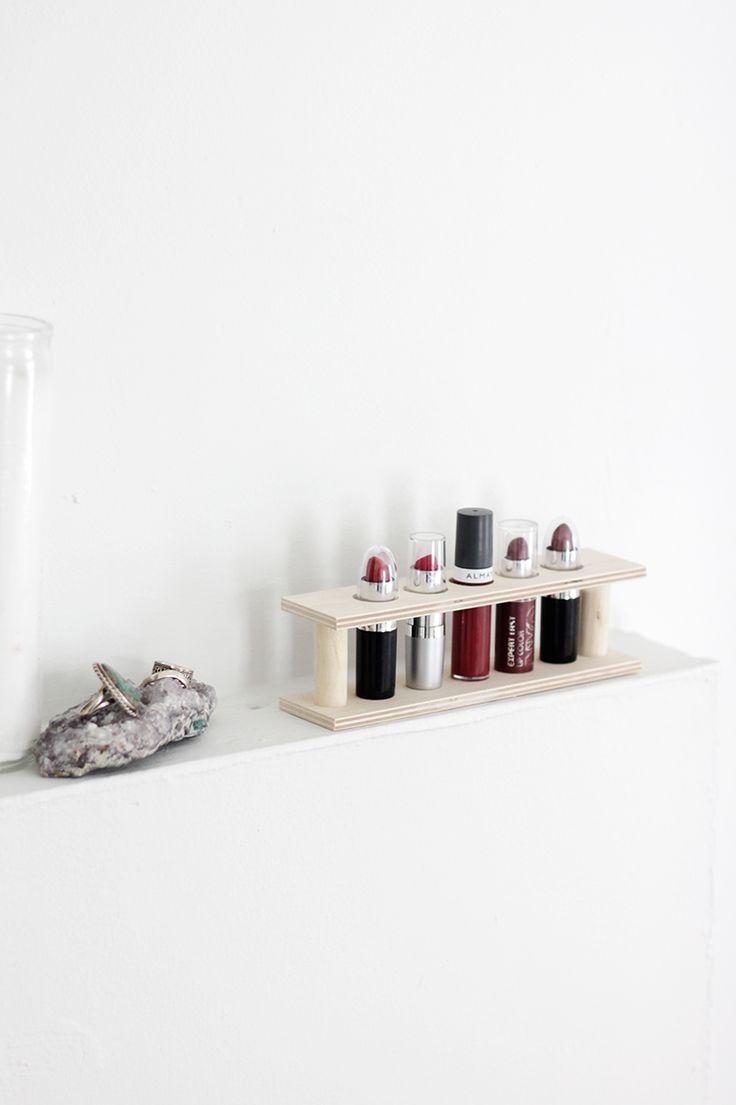 DIY Lipstick Holder @themerrythought