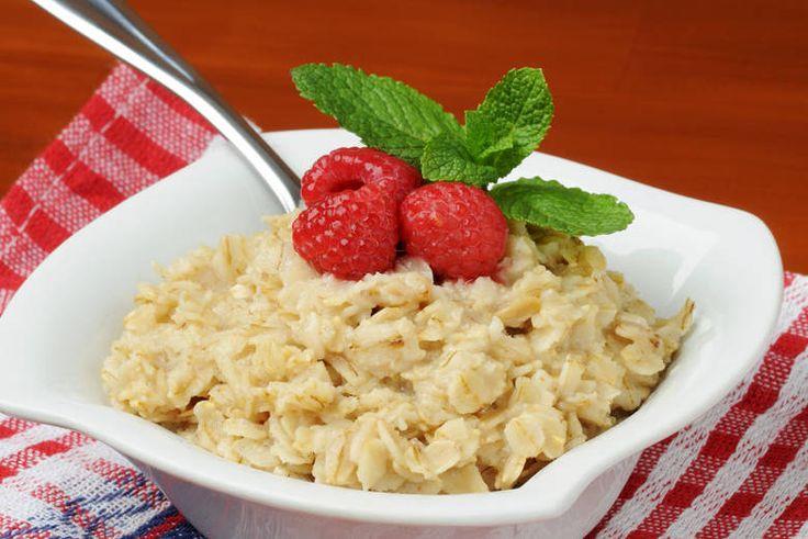 Согласно авторитетному мнению диетологов,овсяная диета— самая полезная из злаковых диет. Овсяные хлопья — это источник сложных углеводов, растительных жиров, белков, витаминов группы В, а также Е,…