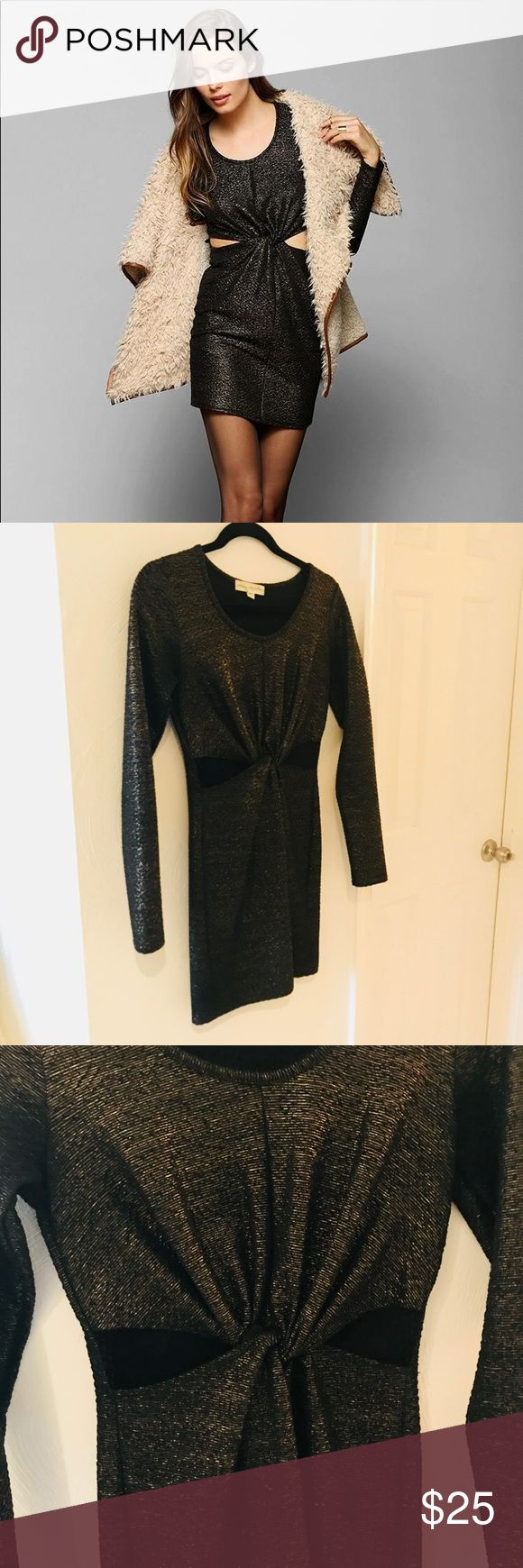 🎄Urban Outfitters Holiday Dress✨ Gorgeous long sleeve body con dress. Purchased from Urban Outfitters, the brand is Staring at Stars✨ Sexy cutouts in front. Size small.  Only worn once for a New Years party last year! Perfect for any holiday party. Gold metallic threading makes the dress really eye catching! Make an offer or bundle for a private shipping discount!💛 Urban Outfitters Dresses Long Sleeve