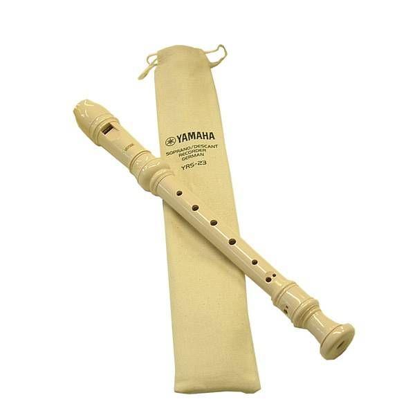 FLAUTO SOPRANO DOLCE YAMAHA I flauti Yamaha sono strumenti musicali di una precisione nell'intonazione che ci si aspetterebbe di trovare nei modelli più costosi. In resina ABS sono strumenti di qualità superiore, tutti i modelli sono disponibili con custodia in tessuto Modello YRS 23 - soprano dolce