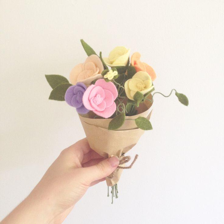 • Sweet pea felt flowers • By Dear May
