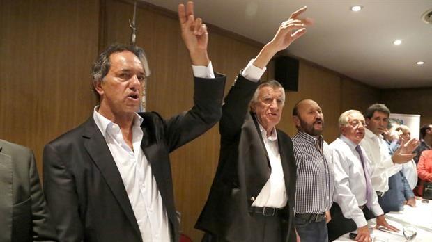 """El futuro presidente del PJ habló de la detención de Lázaro Báez: """"Tiene que ver con la crónica policial""""  Gioja y Scioli, futuros presidente y vice del PJ.Foto:DyN"""