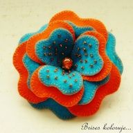felt flower brooch
