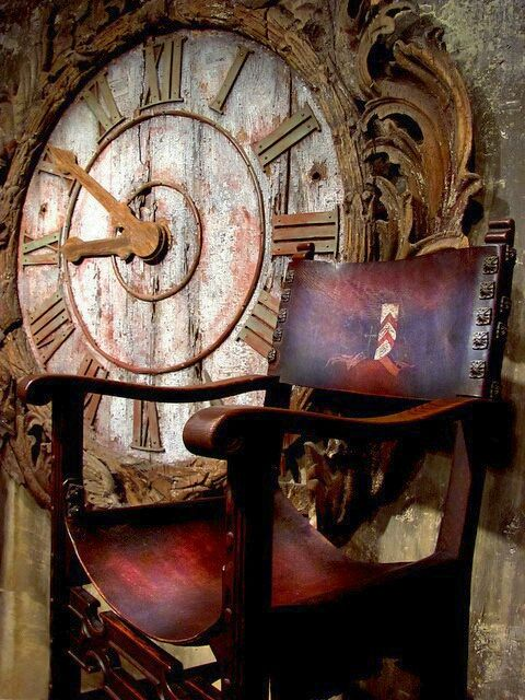 Gallery of Clocks: Big Clocks, Time Flying, Home Decor Ideas, Old Clocks, Antique, Leather Chairs, Sweet Dreams, Clocks Faces, Ticking Tock
