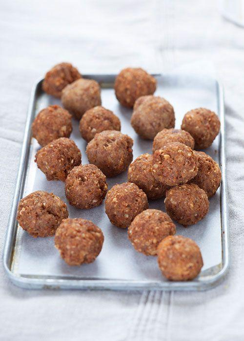 Sicilian savoy almond meatballs - polpettine di carne e mandorle