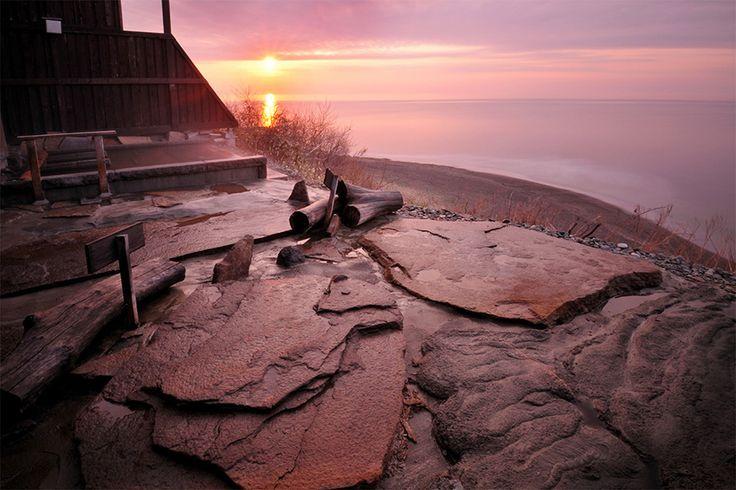 眼前に広がる雄大な太平洋を眺める宿 北海道・白老町にある「心のリゾート 海の別邸 ふる川」。白老町はアイヌゆか […]