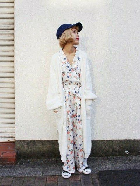 明るくて可愛いプリントワイドパンツのオールインワン♪ 裏原系タイプのファッション スタイル参考コーデ♡