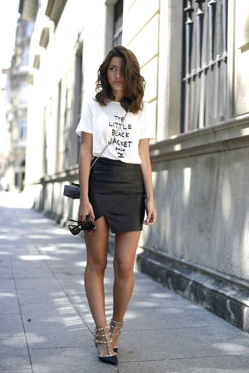 Little white tee and black leather mini skirt.