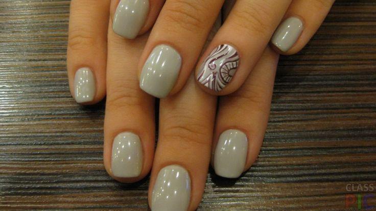 Серые короткие ногти