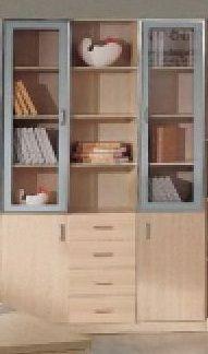 Книжный шкаф (тройная прямая секция) Тройная секция: 2 однодвернах витрины с внутренними полками, 2 однодверных нижних шкафчика, 4 выдвижных ящика - для хранения книг и других предметов. Рекомендуется для комплектации книжного шкафа вместе с секциями 244-XHFPB004 и 244-XHFPB201