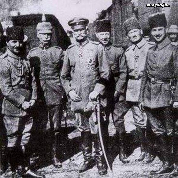 Enver Paşa with Field Marshal Mackensen in Romania, 1916