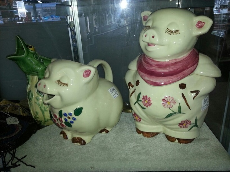 """SHAWNEE  Pottery """"Smilly"""" pig cookie jar & pitcher"""
