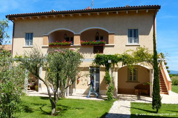 Maremma farmhouse self catering apartment accommodation in Tuscany