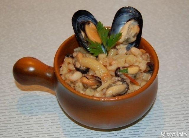 La pasta e fagioli con le cozze è un piatto tipico napoletano che ho preparato qualche tempo fa con delle cozze pescate dal mio papy. Questo piatto