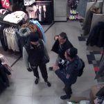 Policie hledá muže, kteří mají na svědomí loupež. Nepoznáte je na fotkách?