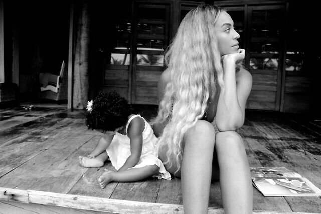 Mother and her QUEEN #Bleu #Bey