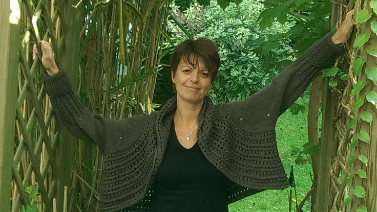 Lang Bolero mit Strassstein  von Elfenwerk - knittingdesign by Jolanta-H.Ahlers auf DaWanda.com
