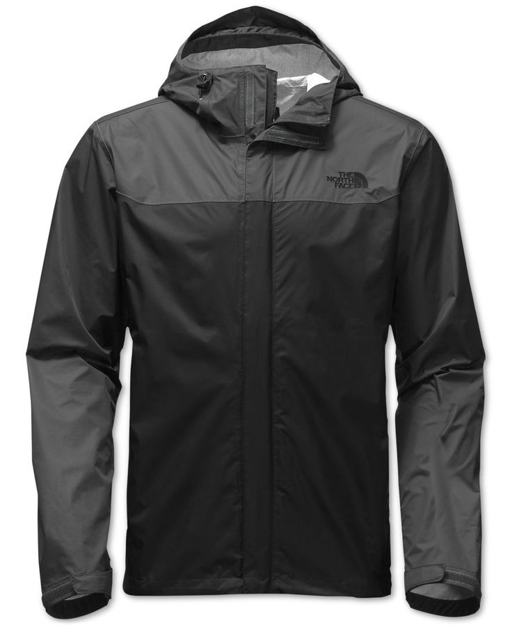 Ready for backcountry storms or everday excursions, this waterproof, breathable hooded men's jacket from The North Face is designed to protect you from rain, year round. The Dryvent 2.5L soft-shell ex
