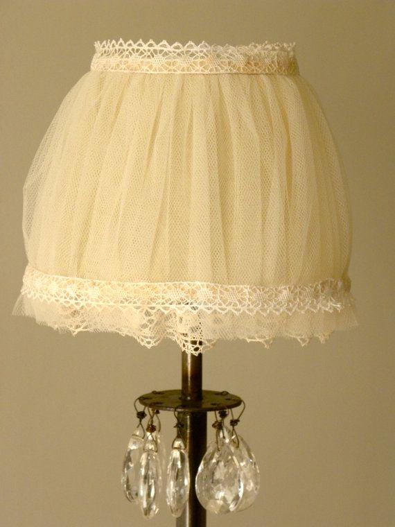 Tulle lamp shade by Ryutan on Etsy, €45.00