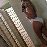La curvilínea socialité Kim Kardashian sopla hoy 33 velas
