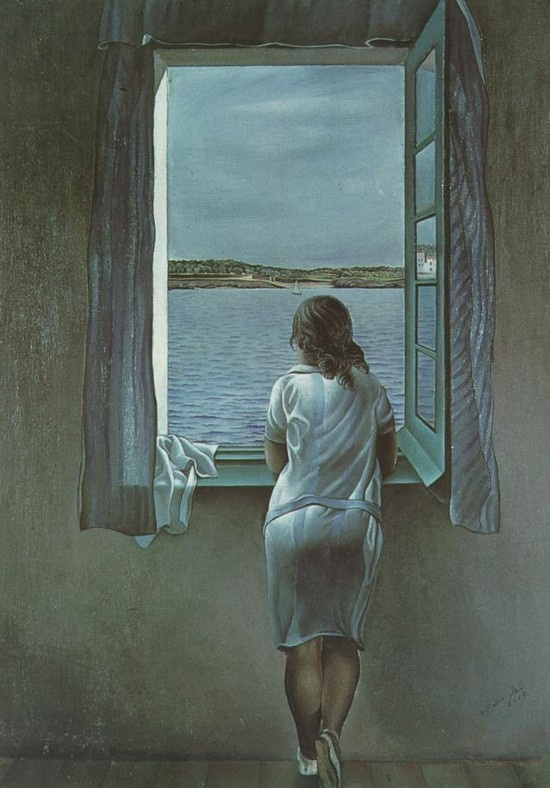 """#1 살바도르 달리 < Figure at Window> (1925) *많은 사람들이 알고 있는 달리의 기이한 초현실주의적 작품과는 달리 이 그림은 안정적인 느낌을 준다. 달리가 자신의 여동생인 안나 마리아를 그린 이 작품은 정확하고 차가운 이미지의 색조를 띄고 있다. 이는 이 시기에 논의되었던 '성스러운 객관성'이라는 정신을 표현하고 있다. 이는 일 년 후 초현실주의의 그림 안에서 왕성하게 표현되는 꿈의 해방을 예고한 것이라는 생각이 든다. 등을 보이며 바다 너머 육지를 바라보고 있는 소녀는 관람자들을 궁금하게 만든다. """"그녀는 지금 무슨 생각을 할까? 무엇을 응시하고 있을까? 보이지 않는 얼굴에는 어떤 표정이 있을까?"""" 등 여러 궁금증이 생긴다. 그러면서도 전체적으로 파란 분위기의 작품 속 소녀를 바라보고 있으면 차분해지면서 그녀가 하고 있는 고민이나 생각에 공감이 되는 듯한 느낌이 들게 된다."""