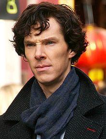 Série télévisée BBC 2010 par Mark Gatiss et Steven Moffat avec Benedict Cumberbatch dans le rôle titre et Martin Freeman dans celui du docteur Watson