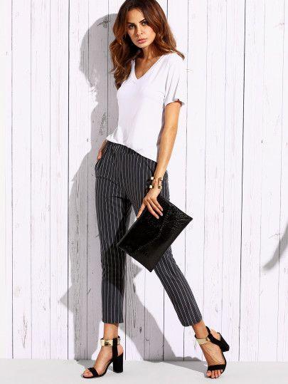 Тёмно-серые полосатые облегающие брюки