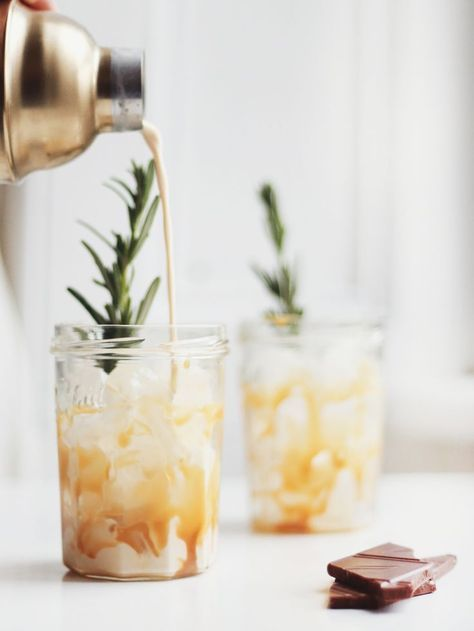 Salted Caramel White Russians. (Kate La Vie)