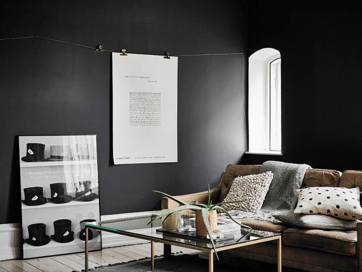 saln con paredes en negro dormitorio pared negra un elegante estudio de paredes negras