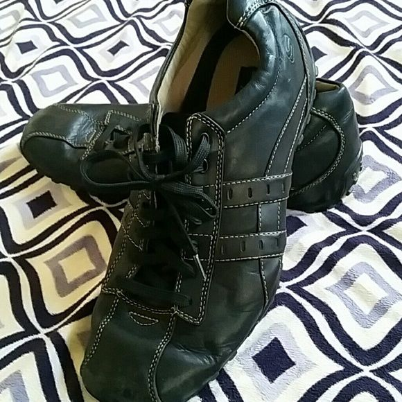 Skechers mens shoes Skechers mens shoes size 10 and a half black leather upper balance Skechers Shoes