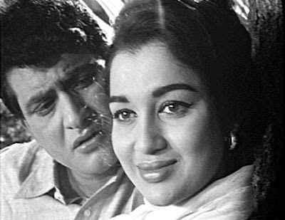 Manoj Kumar and Asha Parekh.