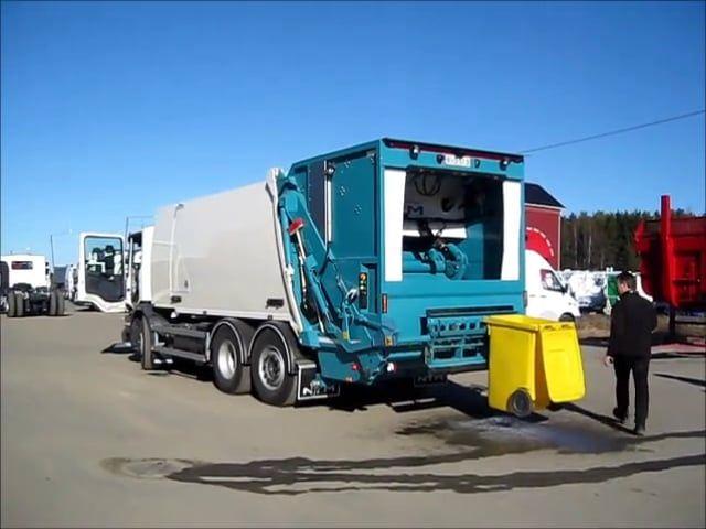 NTM KGHH-KW mycie pojemników na śmieci. Śmieciarka z myjką do zbiórki odpadów i dezynfekcji koszy w czasie jednego kursu.
