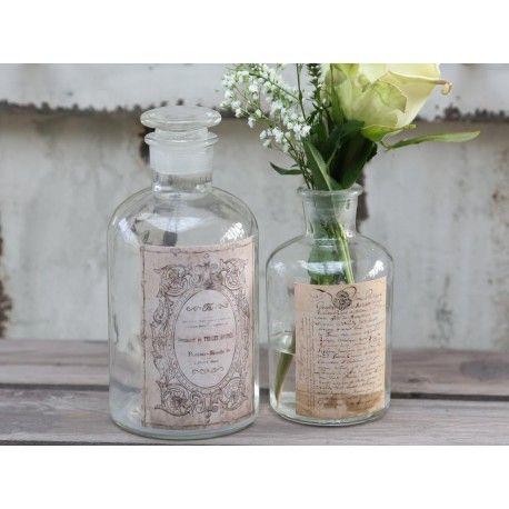 Szklane buteleczki ozdobne, dobrze sprawdzą się na przykład w łazience jako pojemniczki na płyn do kąpieli, albo sól.  Więcej na : www.lawendowykredens.pl