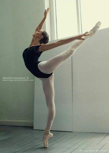Ella Ballerina in Studio. Photo: Max Moden.