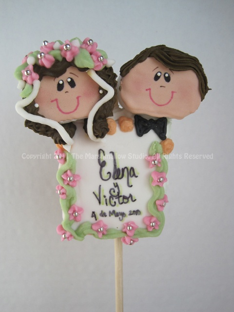 Wedding Couple Sign #marshmallow #pop #favors #wedding