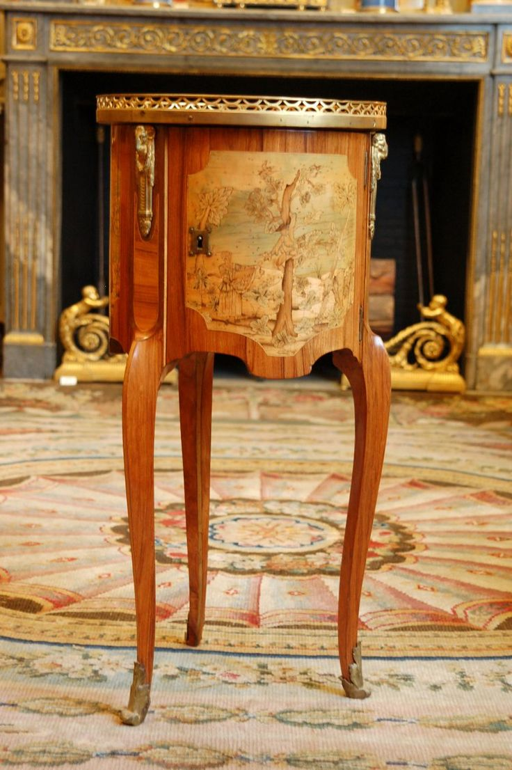 Table en chiffonnière - Les Arts Décoratifs - Site officiel