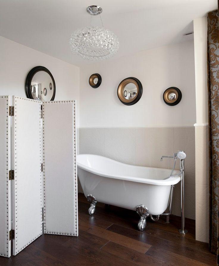 Выпуклое зеркало - необычный предмет декора интерьера и где бы вы его ни повесили оно будет привлекать к себе внимание. #стиль #ванная #сантехника