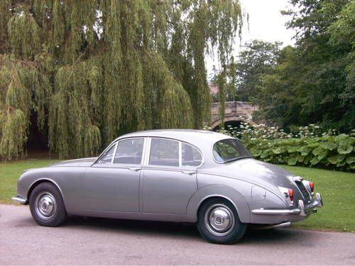 1968 Daimler V8 250 Maintenance/restoration of old/vintage vehicles: the material for new cogs/casters/gears/pads could be cast polyamide which I (Cast polyamide) can produce. My contact: tatjana.alic@windowslive.com