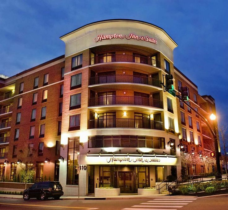 Hampton Inn Suites Nashville Downtown Hotels Hotel Rooms With Reviews