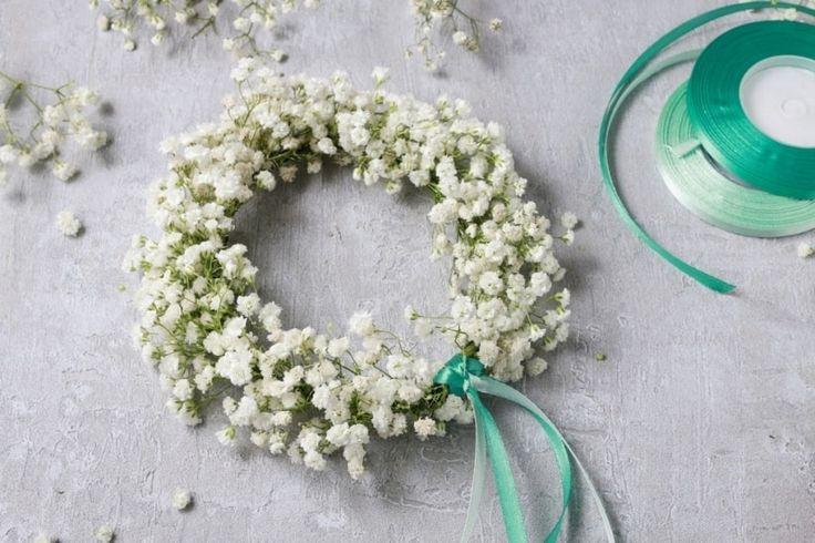 Neste artigo vamos ensinar um tutorial de como preparar sua própria coroa de flores, seja para você mesma, suas daminhas ou damas de honra.