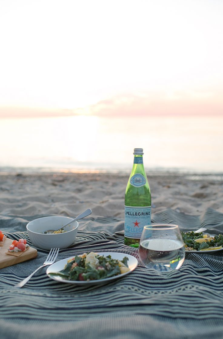 How to Create a Sunset Beach Dinner   |  The Fresh Exchange