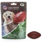 These licensed Green Packers dog treats are made in the USA. They are all natural, gluten free and soy free. This textured treat helps stimulate gums for oral health and are a tasty chicken and fish flavor. Each treat has your team's logo on it and is baseball shaped. Your pup will love these! Net weight is 7 oz.  <em>Ingredients: rice flour, chicken, vegetable glycerin, whitefish meal, cellulose fiber, cultured milk, citric acid, sunflower oil, sunflower lecithin, water, sea salt, ...