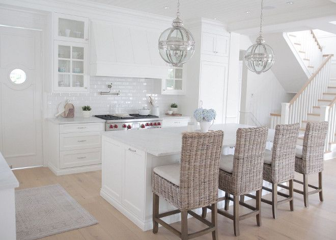 25  best White kitchen designs ideas on Pinterest   White diy kitchens   Hgtv kitchens and Kitchens with white cabinets25  best White kitchen designs ideas on Pinterest   White diy  . White Kitchen Designs. Home Design Ideas