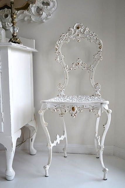 white wrought iron chair vitrines pinterest. Black Bedroom Furniture Sets. Home Design Ideas