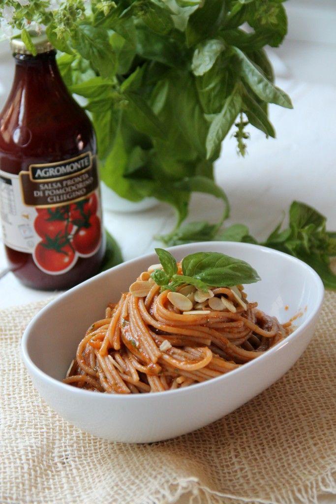 Spaghetti integrali con passata di ciliegino Agromonte e pesto...