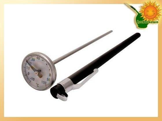 Termometr kuchenny do herbaty i yerba mate   www.herbatkowo.com.pl Termometr ten doskonale sprawdzi się w każdej kuchni. Można nim mierzyć temperaturę nie tylko napojów, ale także na przykład mięsa, przetworów. Pomiarowy szpikulec możemy umieścić w dowolnym produkcie. Termometr jest wychyłowy. Dla bezpieczeństwa i dłuższej żywotności przechowujemy go w plastikowym etui. Skala pomiaru to od minus 10 stopni do plus stu.