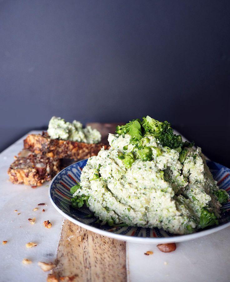 2 minuten mixen en je hebt een lekkere groentespread gemaakt van een restje broccoli en tofu