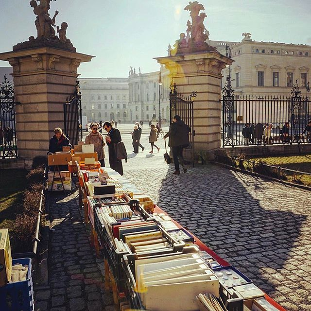 """I love spending some time going through the used books at this """"openair bookstore"""" in front of Humboldt Uni in Mitte. Just opposite Bebelplatz, where the Nazis burned books considered subversive in 1933. Way to show them that #freedomwins #myberlin #berlintips #awesome"""