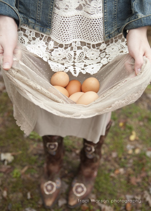 ♥ Gathering eggs in pointy toed shoes...not s good idea!