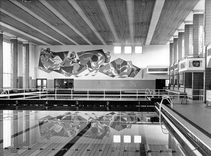 Brabantbad; overzicht grote zwemzaal   Gemeentewerken   1966   Stadsarchief 'S-Hertogenbosch   CC BY-SA